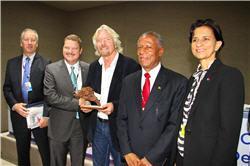 Minister Mike Eman en Richard Branson