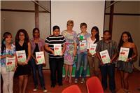 Arubaanse jongeren met Prinses Laurentien