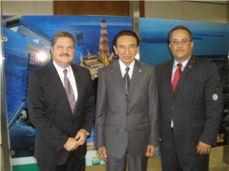 Minister President Eman, Minister van Energie en Mijnbouw dhr, Labao, Minister de Meza