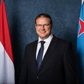 Gouverneur Alfonso Boekhoudt