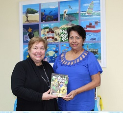 Author Yolanda Croes presents her book